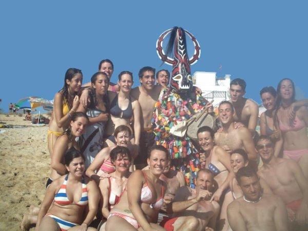 Un Piornalego En La Red Imágenes Jarramplas En La Playa Faro
